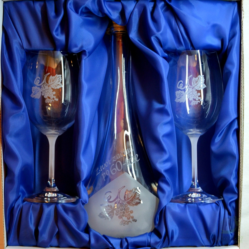 Hlavní kategorie - Souprava pískovaná karafa Gocia 60 let + dvě sklenice na víno