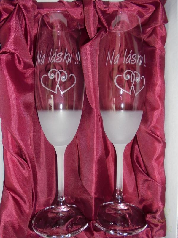 """Hlavní kategorie - Svatební pískované sklenice na víno -"""" Na lásku"""" 0,3l"""