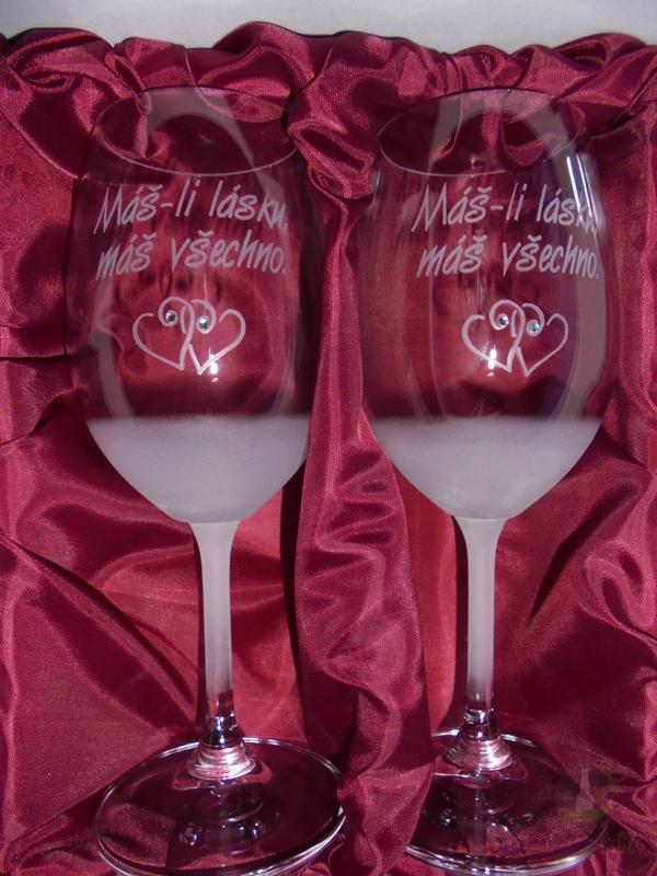 """Hlavní kategorie - Svatební pískované sklenice na víno - """"Máš-li lásku,máš všechno"""" 0,3l"""
