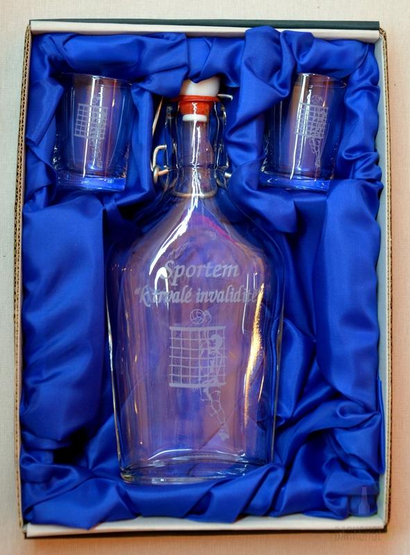 Hlavní kategorie - Souprava pískovaná láhev Butylka + 2 panáky 0,2l  Volejbal invalidita-Poslední kus!