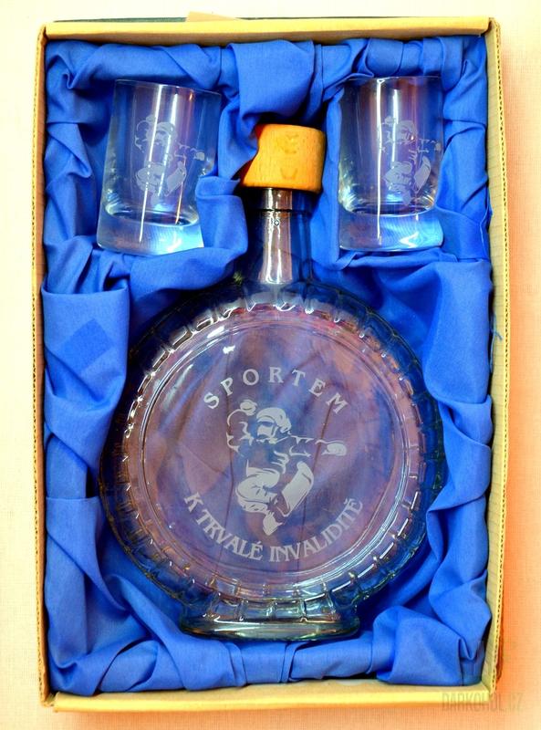 Hlavní kategorie - Souprava pískovaná láhev budík + 2  panáky Snowboard
