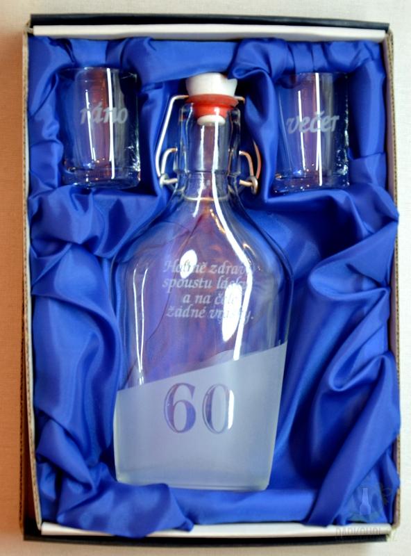 Hlavní kategorie - Malá sada láhev pískovaná Butylka dva panáky 0,2l 60 let- dárek k 60 narozeninám