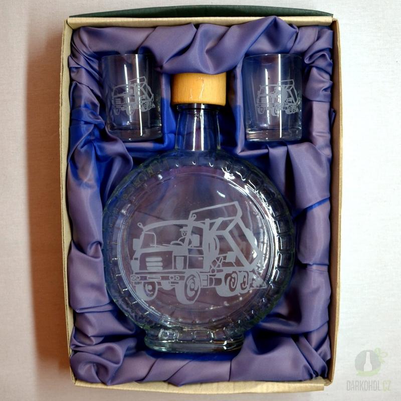 Hlavní kategorie - Souprava pískovaná láhev budík + 2 panáky Nákladní auto