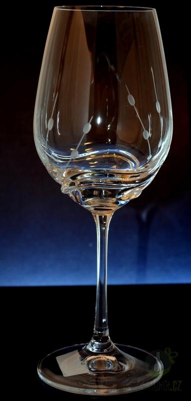 Hlavní kategorie - Ručně rytá sada sklenic na víno Přátelka- Turbulence 350ml