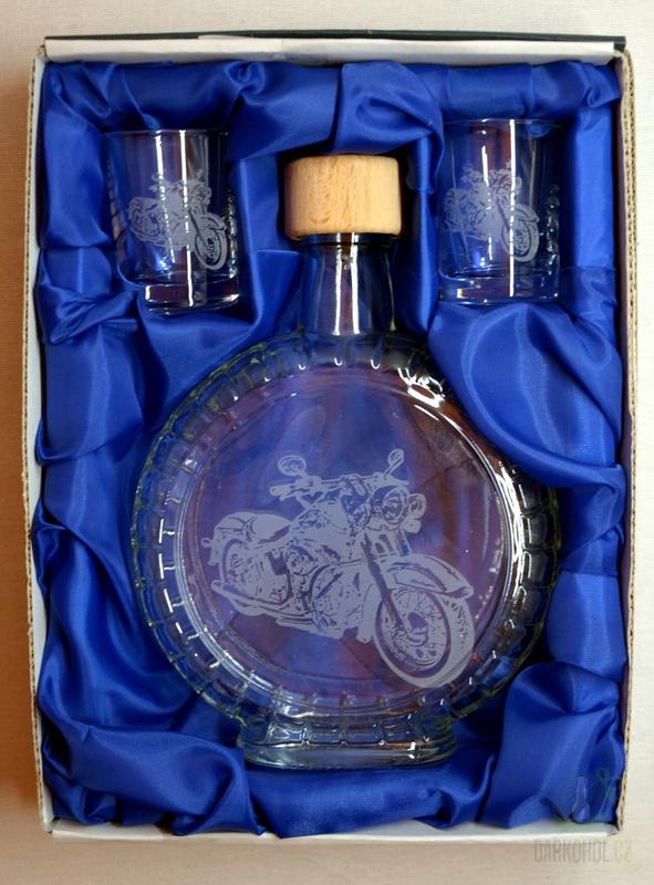 Hlavní kategorie - Souprava pískovaná láhev budík + 2 panáky Motorka