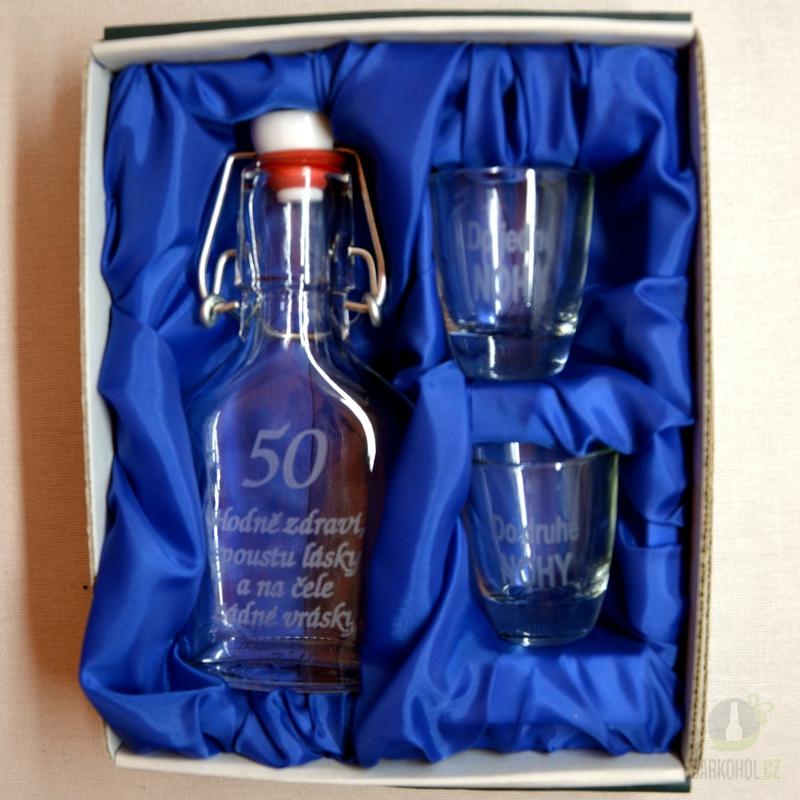 Hlavní kategorie - Malá sada láhev pískovaná Butylka dva panáky 50 let 0,1l