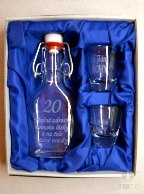 Hlavní kategorie - Malá sada láhev pískovaná Butylka dva panáky 20 let 0,1l