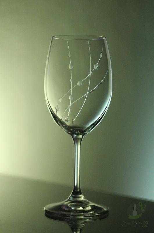 Hlavní kategorie - Ručně rytá sklenice na víno Klára -korále 250ml
