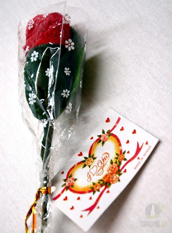 Hlavní kategorie - Kalhotky tanga červené- v růži