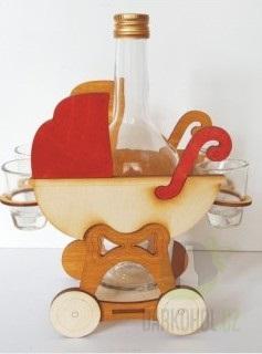 Hlavní kategorie - Dřevěný stojánek s lahví a panáky-kočárek