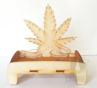 Hlavní kategorie - Dřevěný stojánek s  panáky - Marihuana