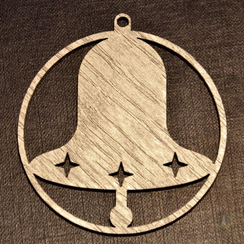 Sezónní dárky - Ozdoba zvonek v kruhu stříbrný