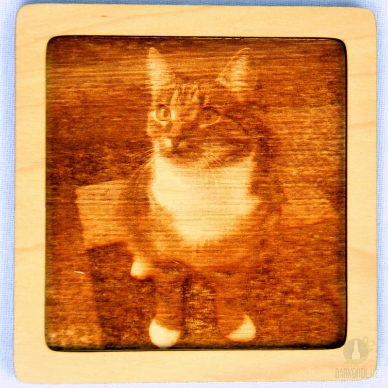 Hlavní kategorie - Dřevěný gravírovaný obrázek malý-kočka pohled do leva-poslední kus!