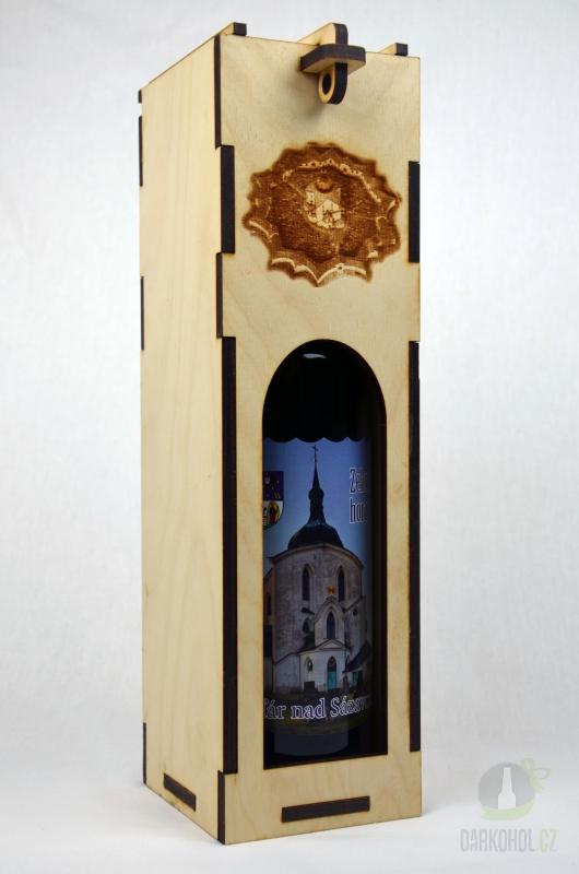 Suvenýry Žďár nad Sázavou - Dřevěný stojan na víno velký Žďár