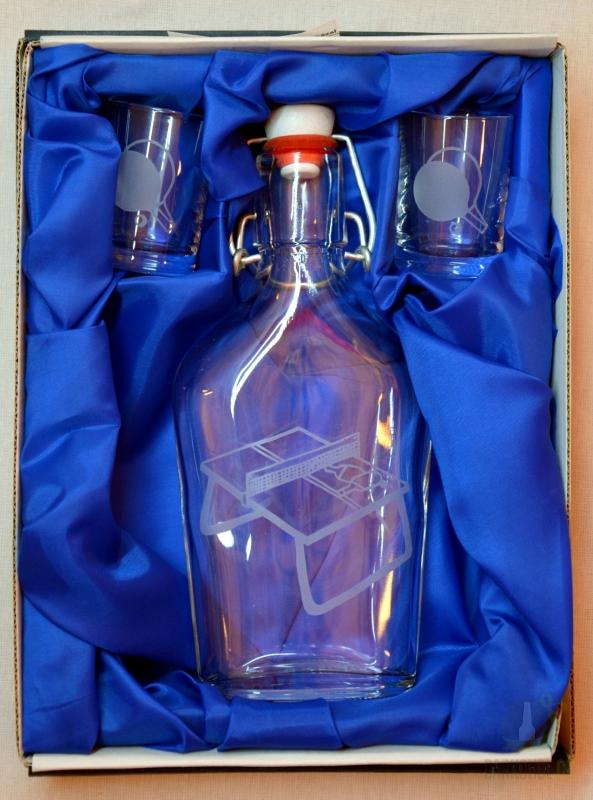 Hlavní kategorie - Malá sada lahev pískovaná butylka a dva panáky Ping pong 0,2l
