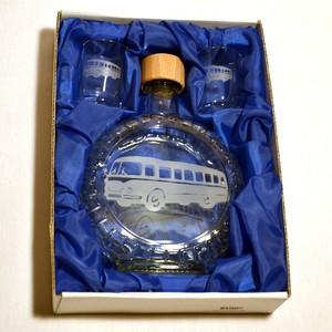 Souprava pískovaná láhev budik+2 panáky Autobus