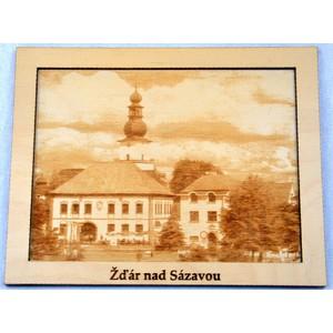 Dřevěný gravírovaný obrázek velký-Žďár radnice