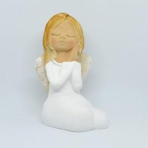 Anděl sedící dívenka bílá